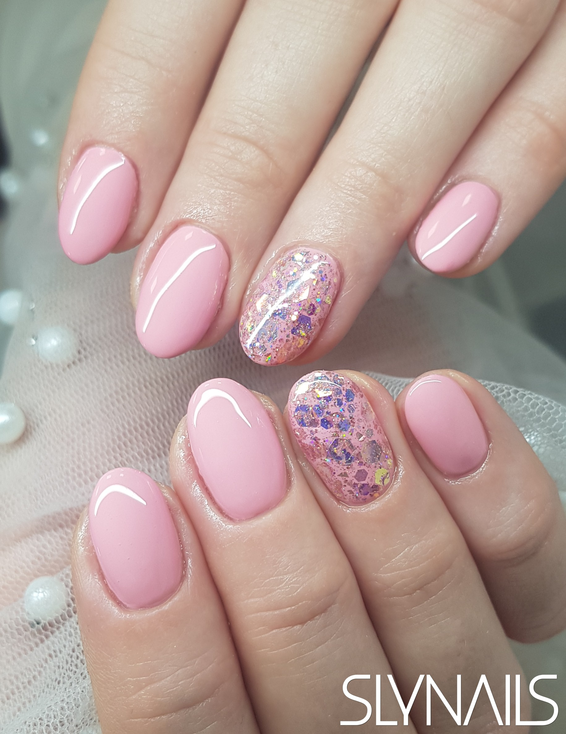 Gel-lac (gel polish), Pink, Built-in decoration, Mica, One color, Almond