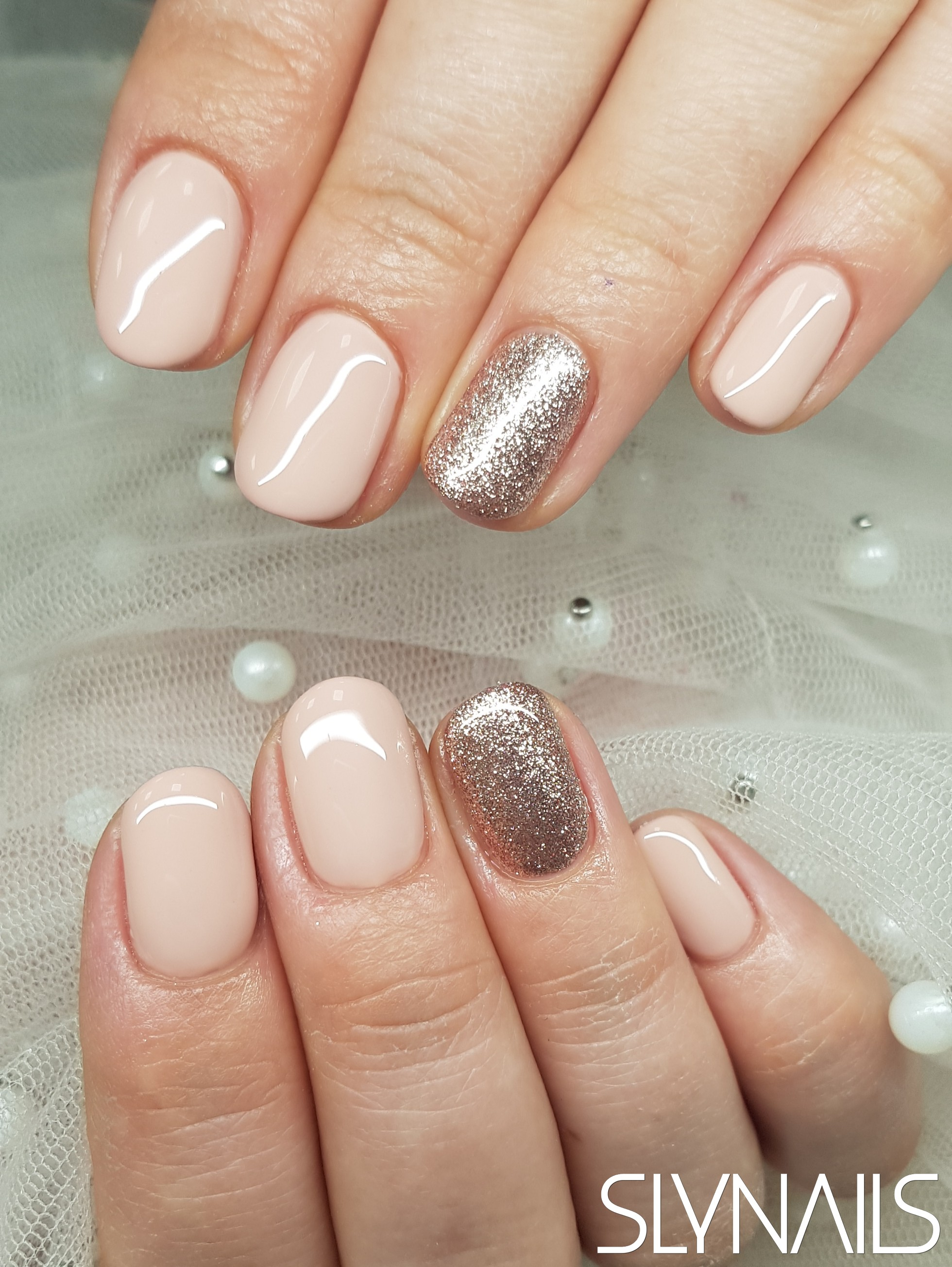 Gel-lac (gel polish), Nude, Gold, One color, Rounded, Without decoration