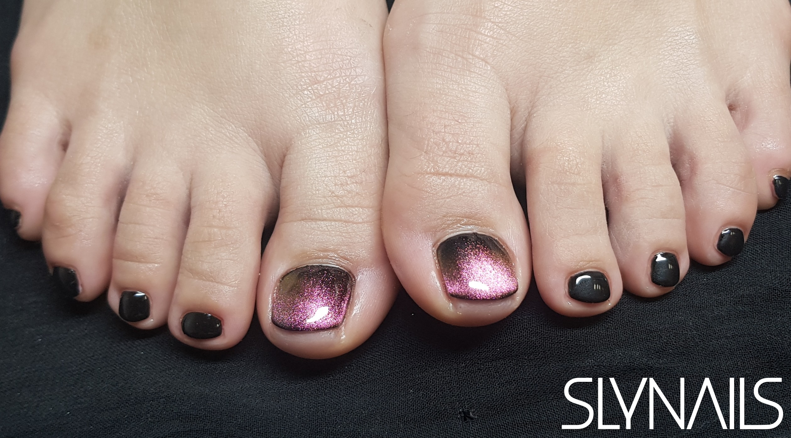Gel-lac on toes, Black, One color, Magnetic