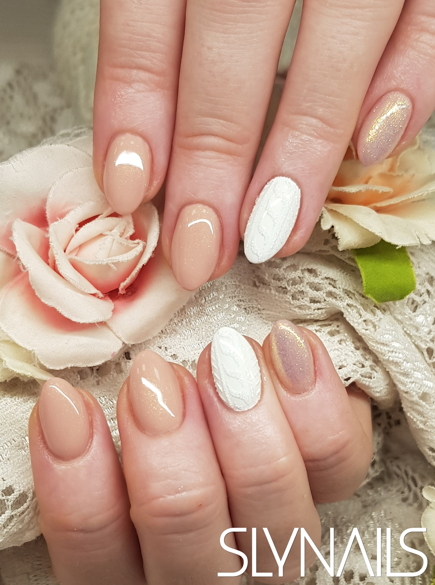 Gel-lac (gel polish), Nude, Almond, Mermaid, One color, White, Sweater Effect, Sugar Effect, Winter-Christmas